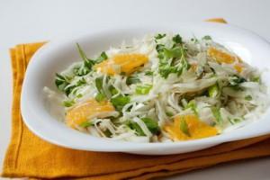 Вкусный салат из капусты и апельсинов