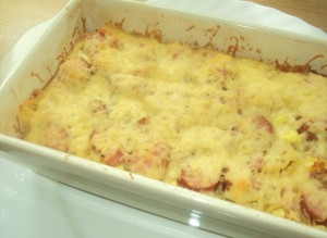 Запеканка из макарон с сыром и сосисками