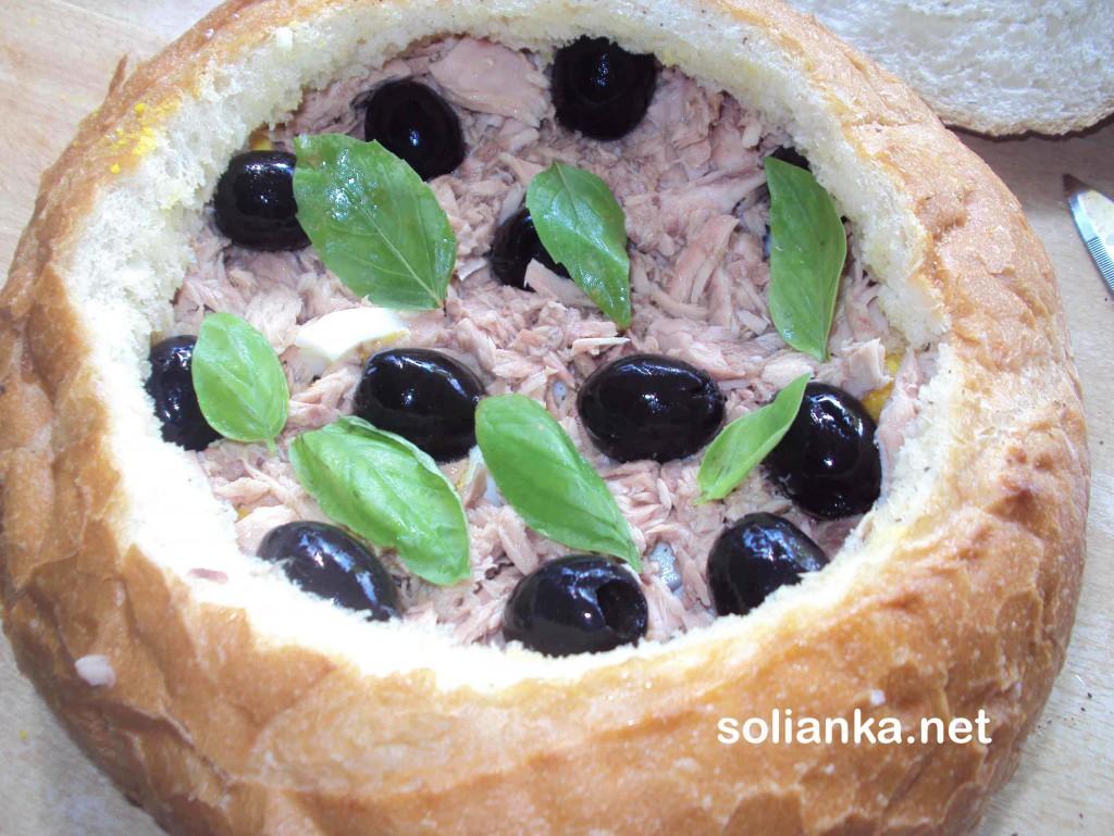 тунец и оливки