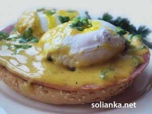 Яйца пашот и яйца Бенедикт