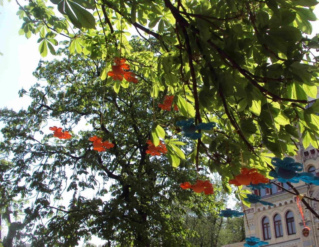 писанки-птички на дереве