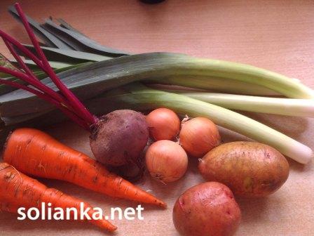 свекольный суп с овощами