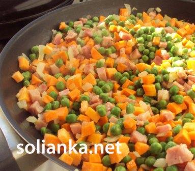 блюдо из зеленого горошка