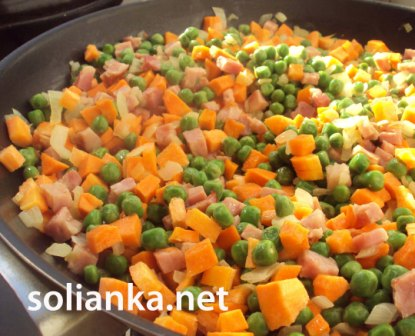 морковь с зеленым горошком на гарнир