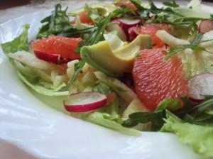 Салат с грейпфрутом, фенхелем и авокадо