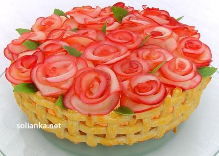 торт корзина алых роз