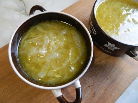кастрюльки с луковым супом