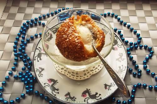 шарик мороженого во фритюре