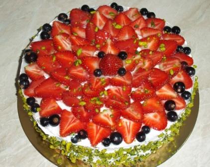 йогуртовый торт клубничный фото