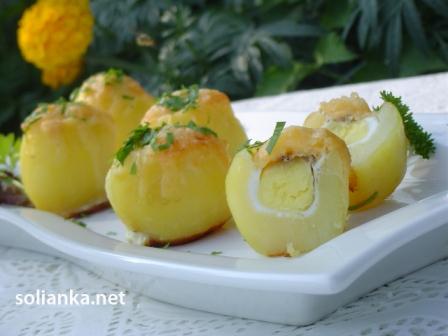 запеченная картошка с яйцом