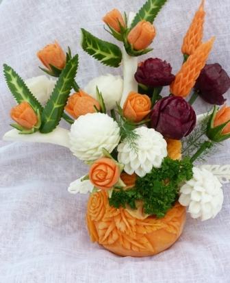 роза из моркови и свеклы карвинг