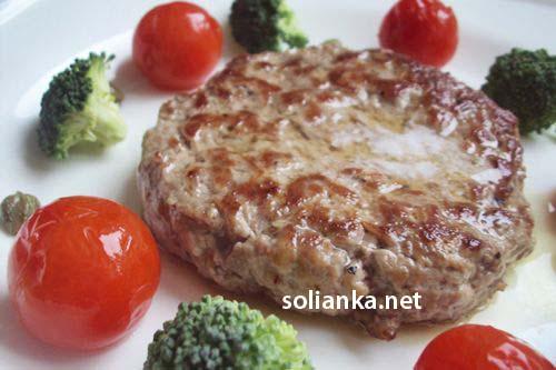 смачный бифштекс провансальский