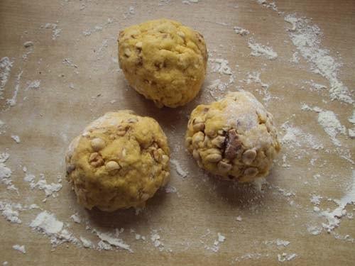 тесто с орешками